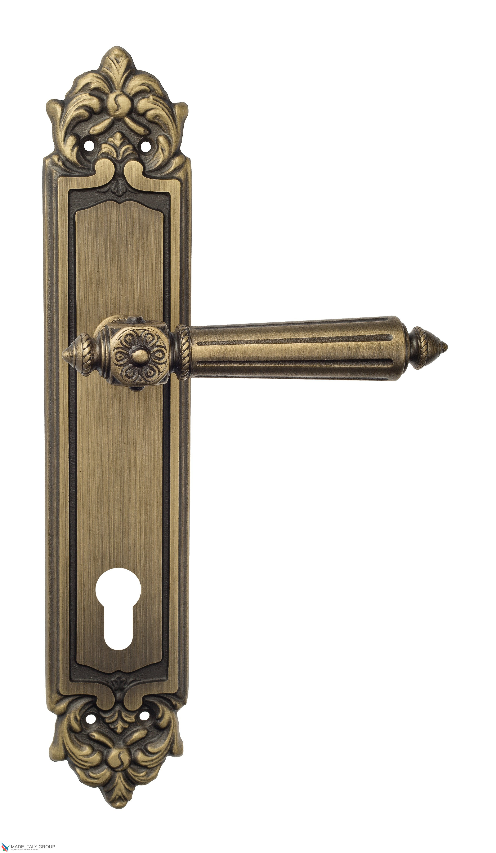"Дверная ручка Venezia ""CASTELLO"" CYL на планке PL96 матовая бронза"