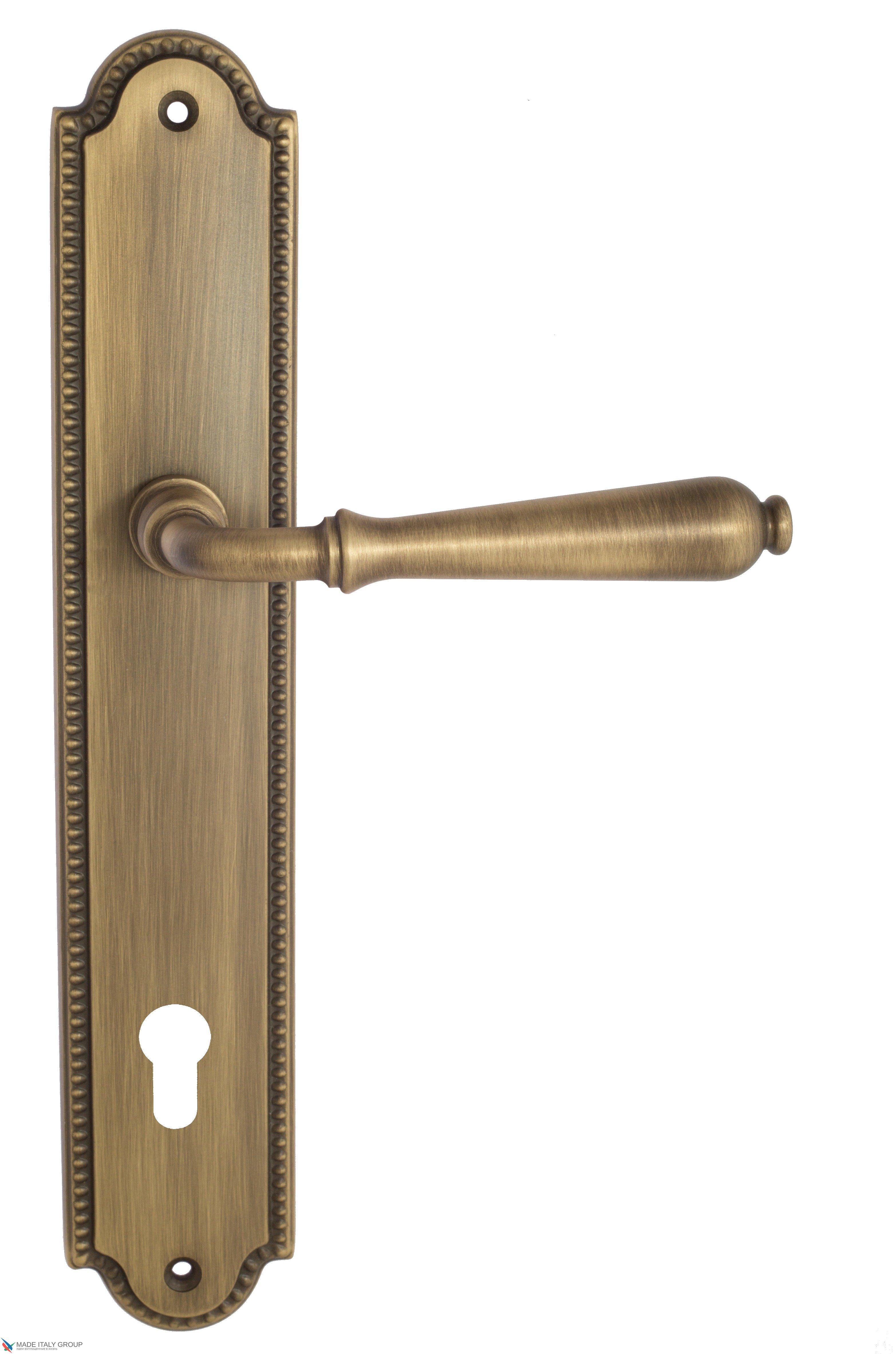 "Дверная ручка Venezia ""CLASSIC"" CYL на планке PL98 матовая бронза"